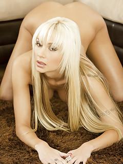 Blonde Lesbians Pics